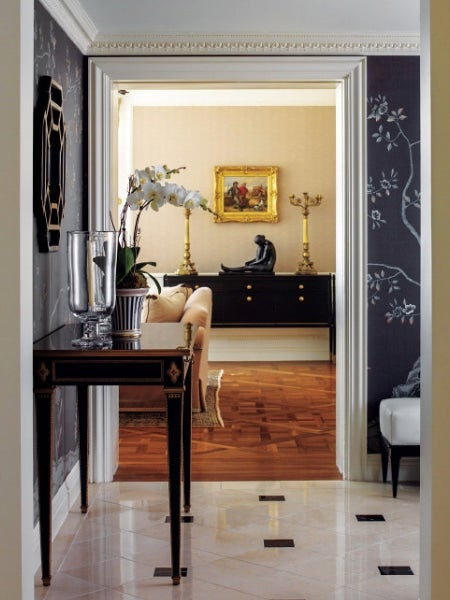 17 inviting foyers and entryways 1stdibs for Foyer accommodation