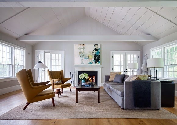 Go inside 16 top designers 39 homes 1stdibs Modern colonial interior design