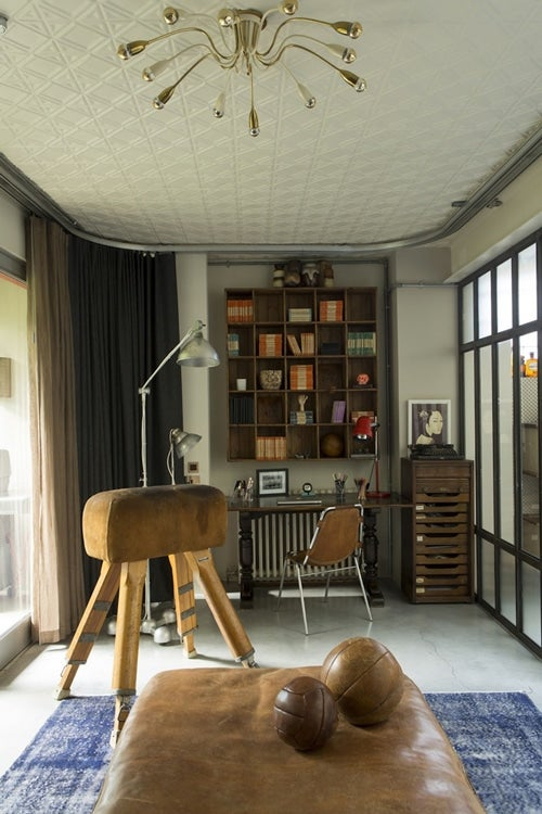 Residential Interior Project Has Modern Yet Vintage Take: 15 Sophisticated Spaces For Stylish Men