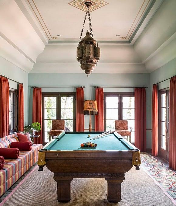 Billiard Rooms: 13 Winning Games Rooms