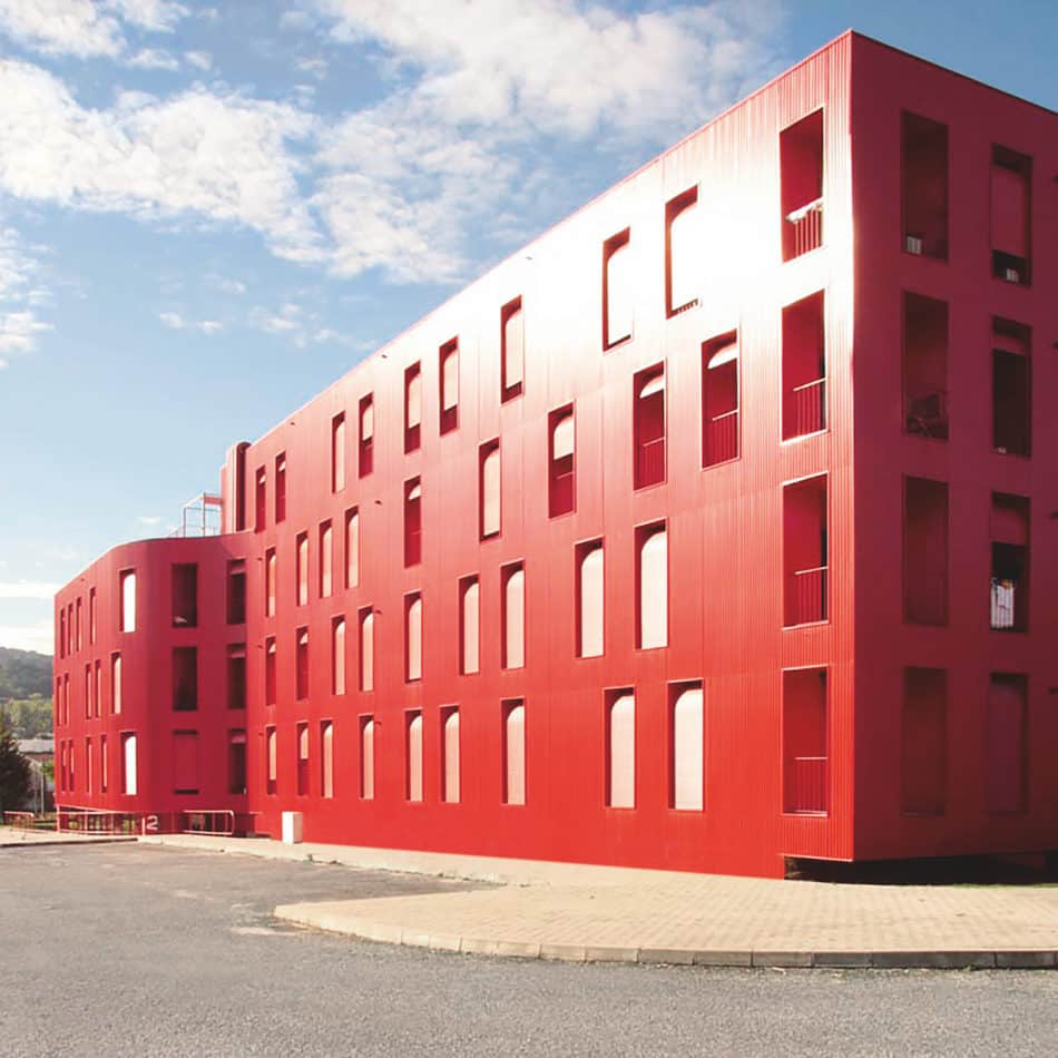 Flex-Red apartment complex in Portugal by Cerejeira Fontes Architects