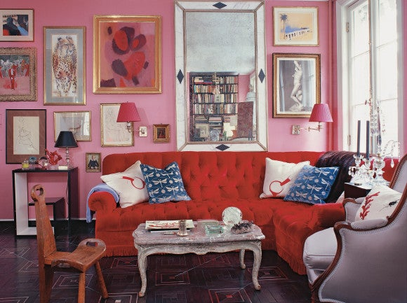 An Image Of Miles Redd S Famous Red And Pink Room From The Designer Own New York City Townhouse Shows How Deftly Paired A Tufted