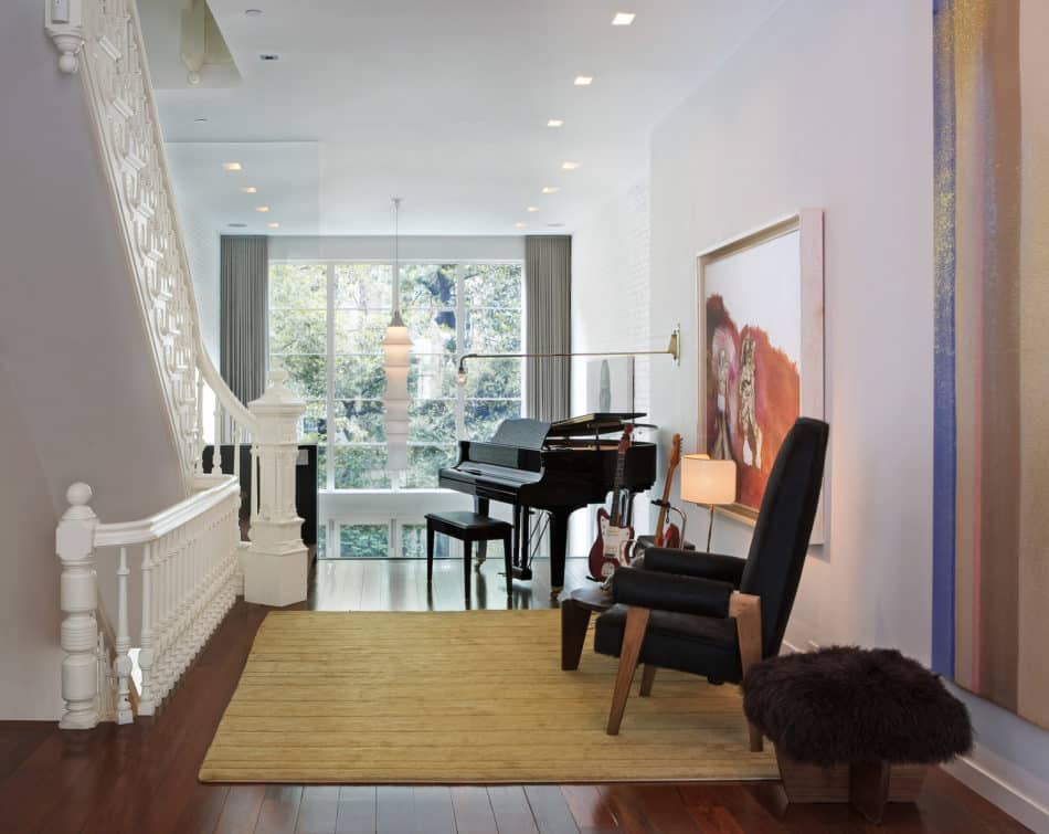 East 92nd Street home by D'Apostrophe