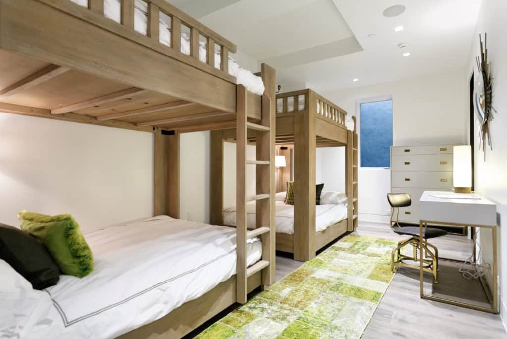 bunk room by Forum Phi Interiors