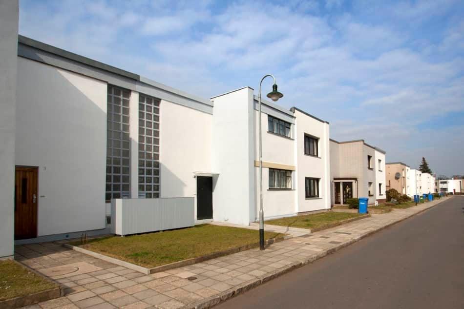 Bauhaussiedlung Dessau-Törten, Haustyp Sietö 2 – 1927, Kleinring, im Vordergrund Haus der Familie Eichhorn, 2012