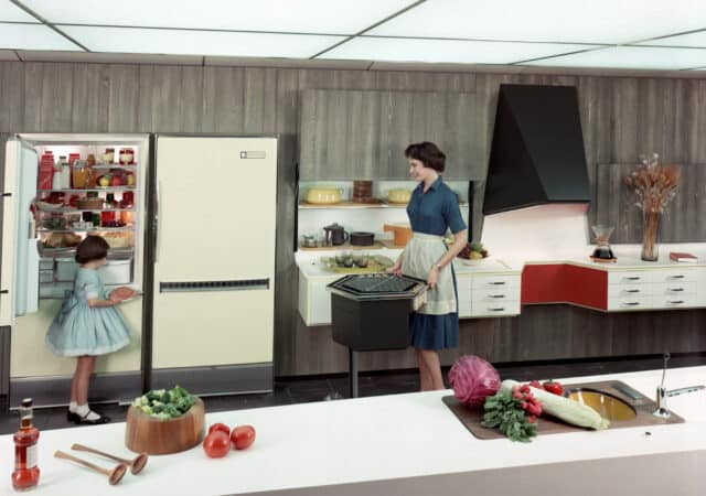featured image for post: In the Mid-Century American Home, Radical Design Began in the Kitchen