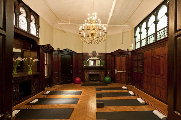 Gym decor interior design in fab home fitness rooms stdibs