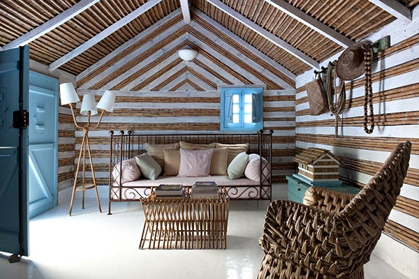 21 exquisite iberian interiors the study for Summer house furniture ideas