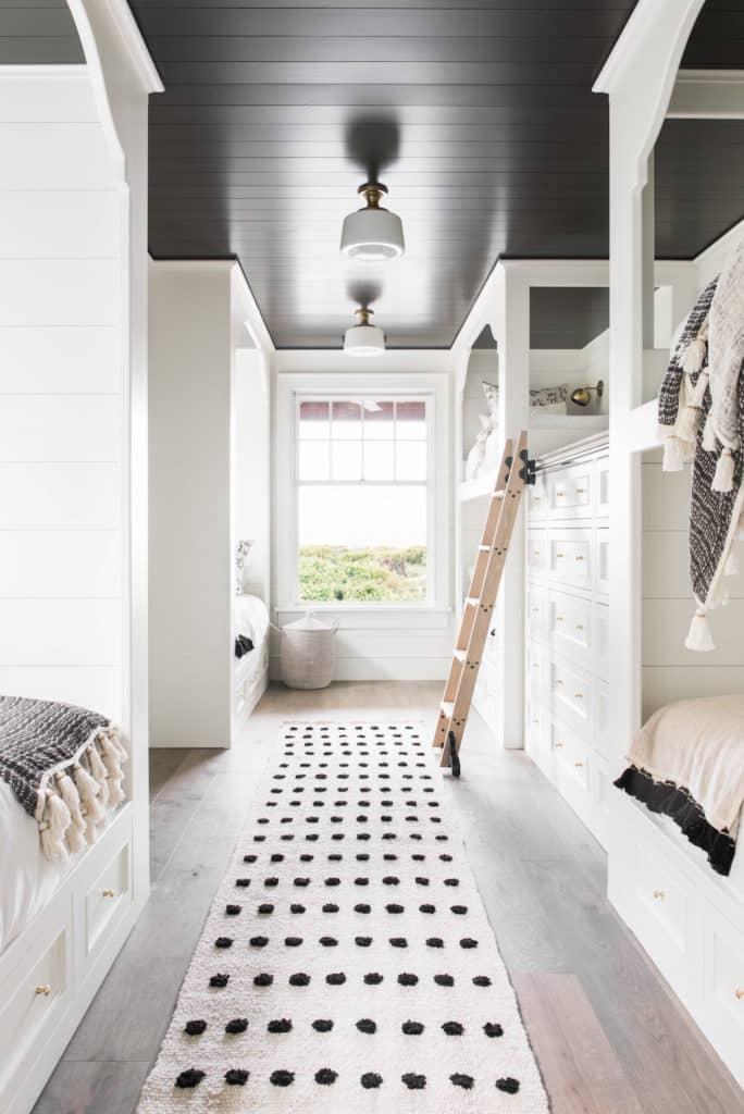 bunk room by Hoedemaker Pfeiffer