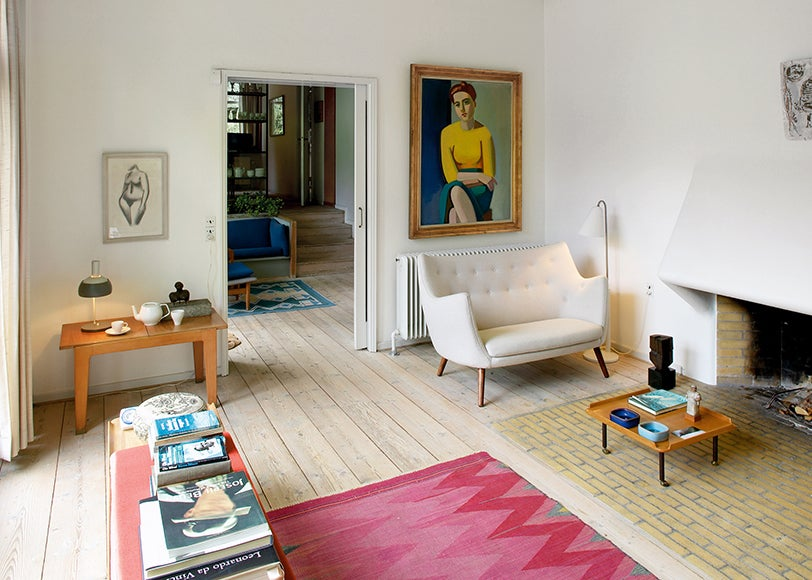 6 - Modernist Living Room