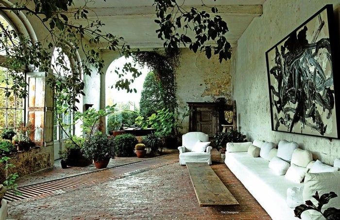 22 gorgeous outdoor spaces for Inside garden room