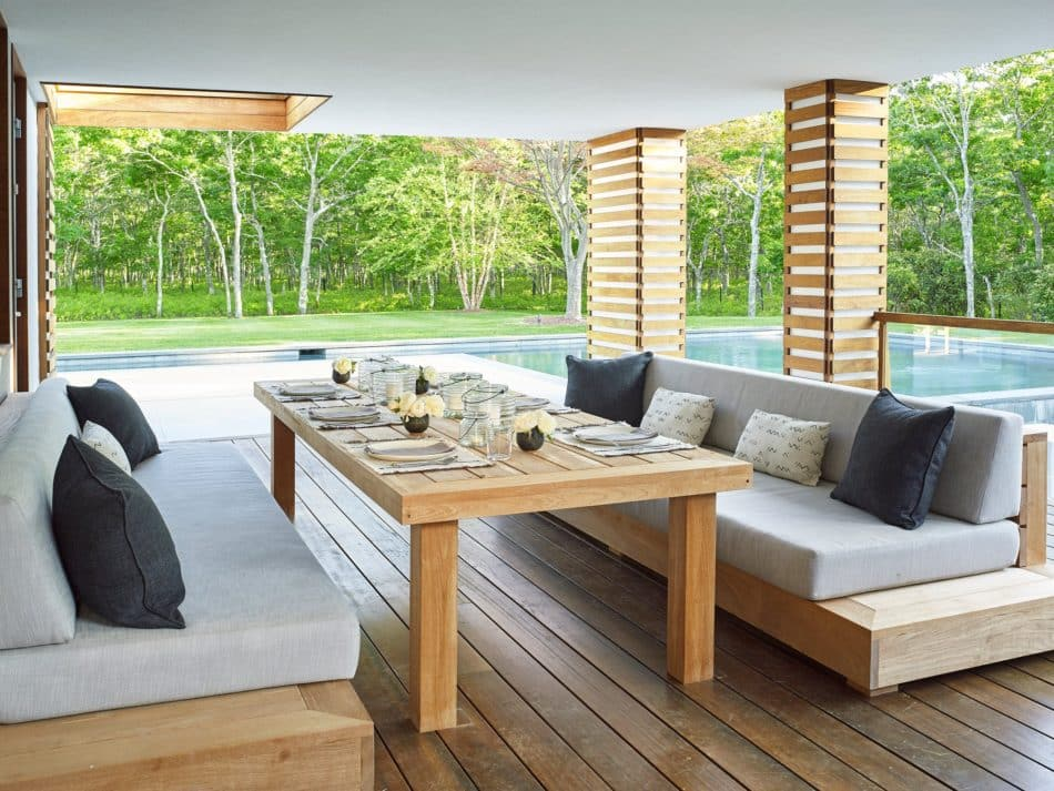 Sagaponack patio by Babcock Peffer