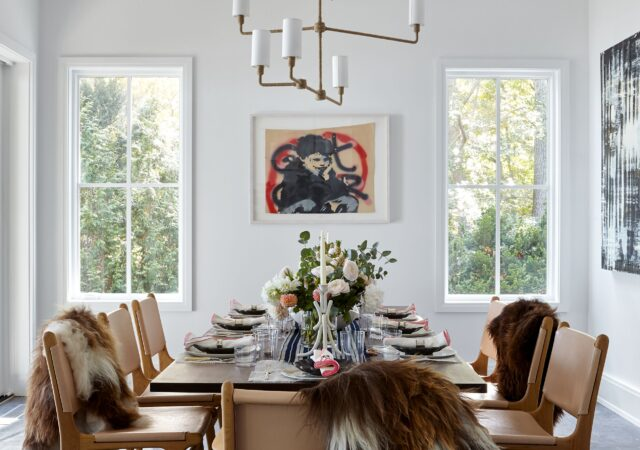 featured image for post: 12 Perfectly Arranged Dining Rooms for Entertaining Guests