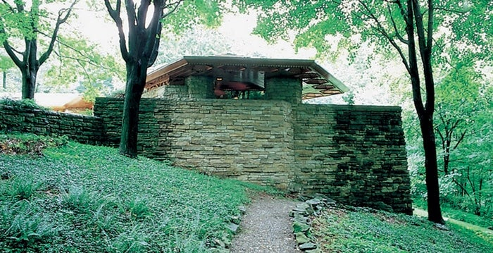 The hexagonal Kentuck Knob house — one of Wright's Usonian projects — reflects the architect's belief in dynamic indoor-outdoor interactions.