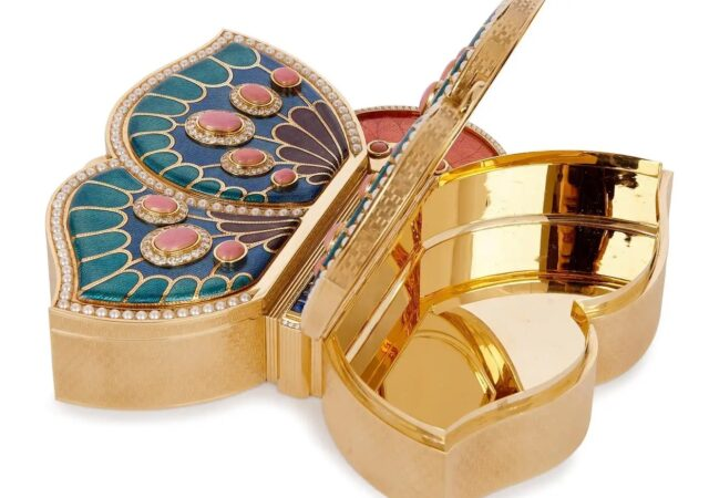 featured image for post: These Lovely Vintage Jewelry Boxes Store Your Valuables in Style