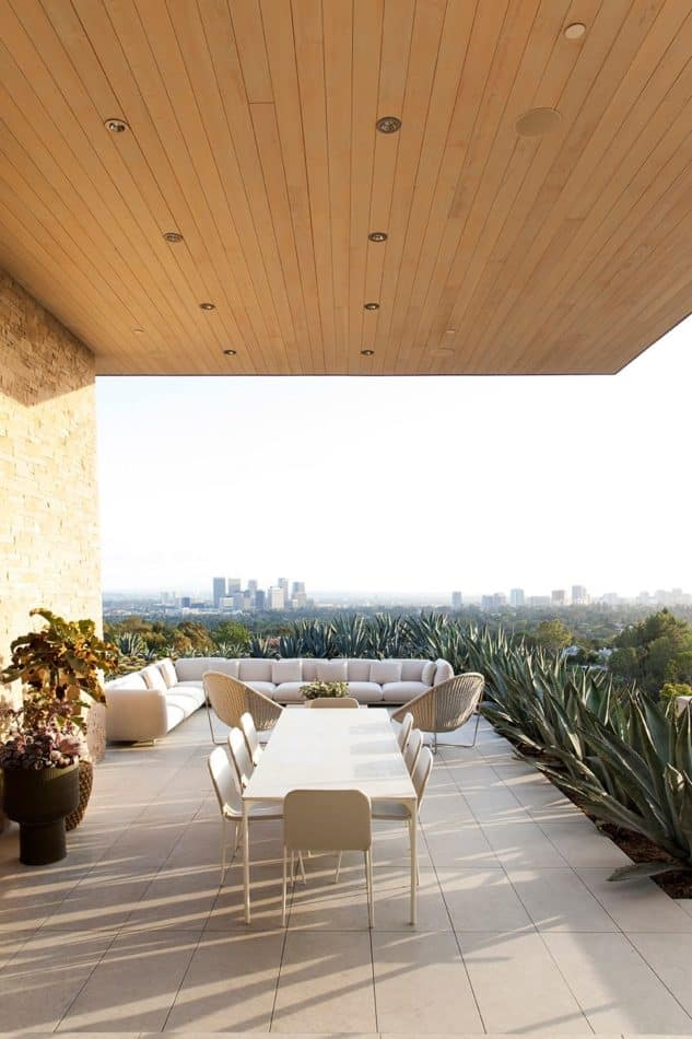 patio by Marmol Radziner
