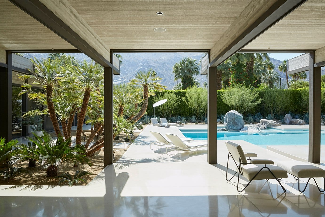 A modernist Palm Springs house renovated by Marmol Radziner.