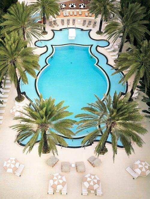 Raleigh-Hotel-Pool