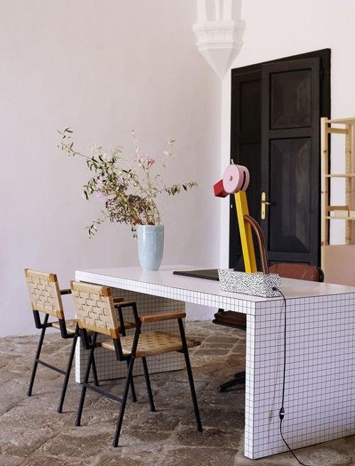 Design d'intérieur italien: explorez les plus belles maisons! Design d'intérieur Design d'intérieur italien: explorez les plus belles maisons! Villa Lena Ettore Sottsass Tahiti Lamp
