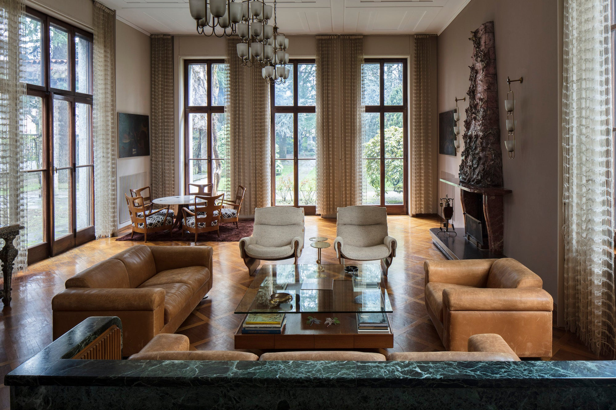 The sunken living room of Villa Borsani