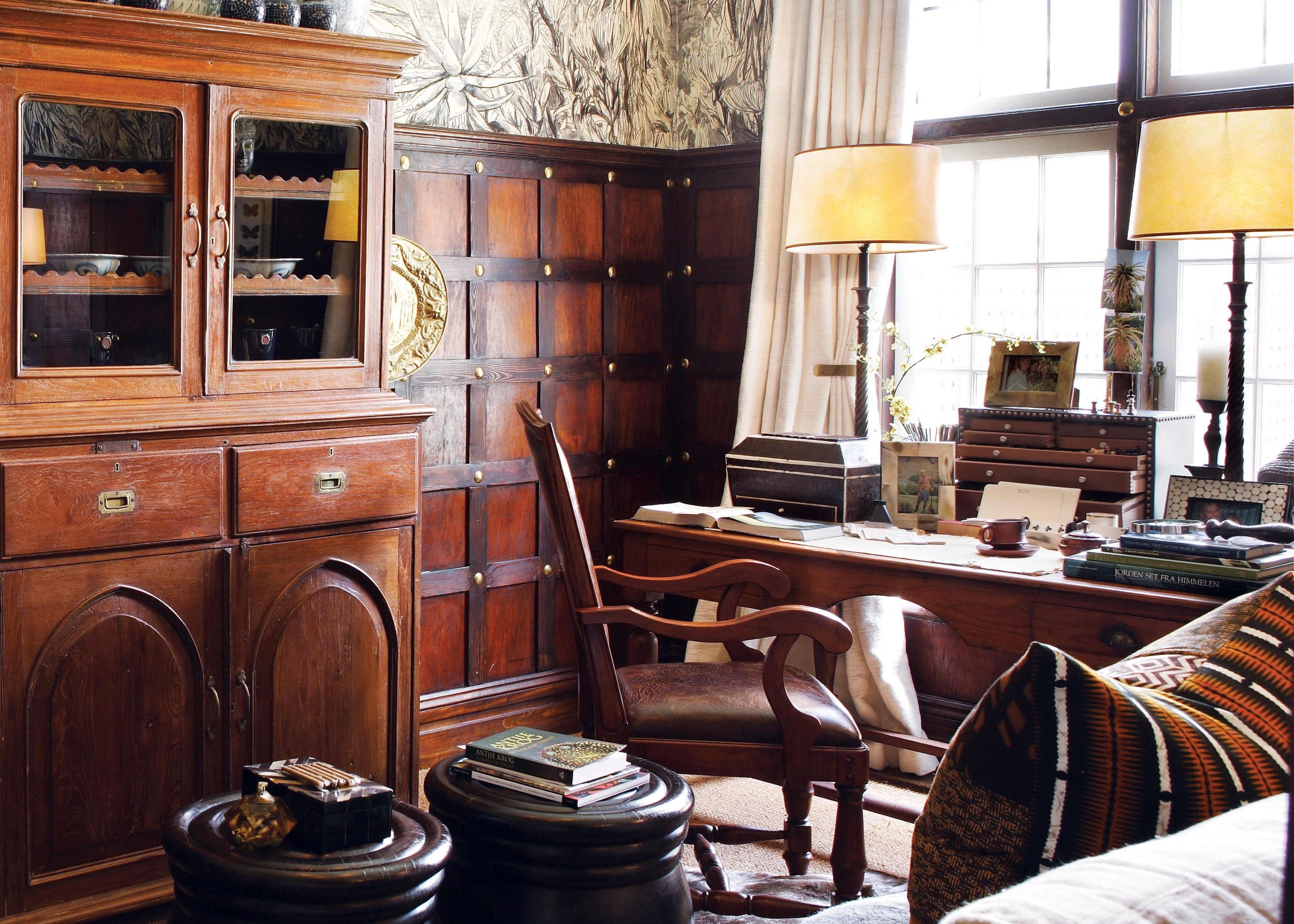 How To Decorate Your Desk Like A 19th Century Boss The