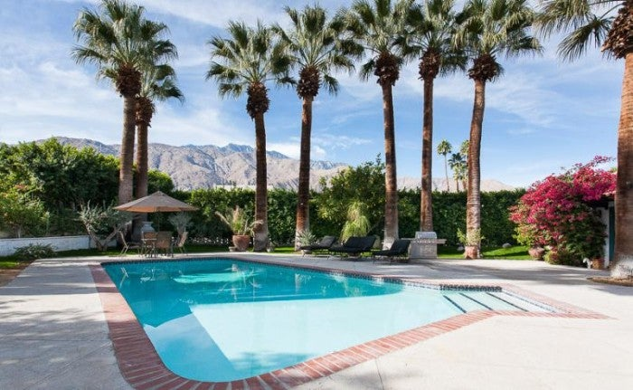 5 gorgeous celebrity owned vacation rentals for The lucy house palm springs