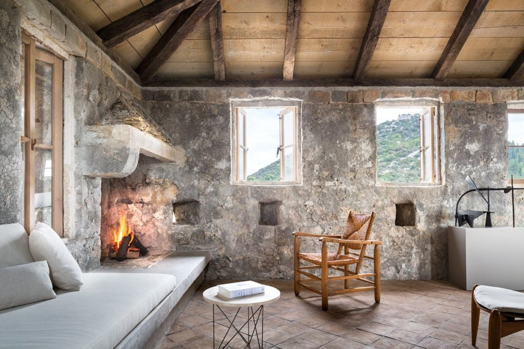living room fireplace by Rees Roberts & Partners