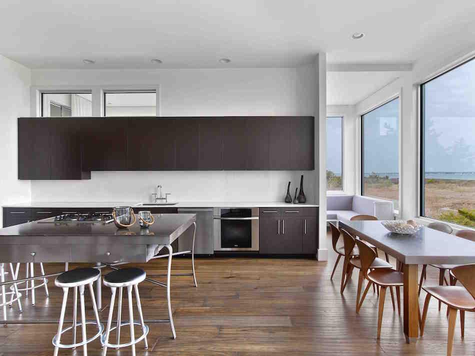 Southampton kitchen by Mark Zeff