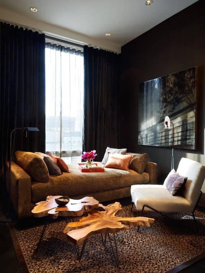 Living room by Bradley Bayou in New York