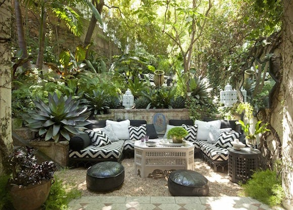 12 homes with striking landscape design the study for Study landscape design