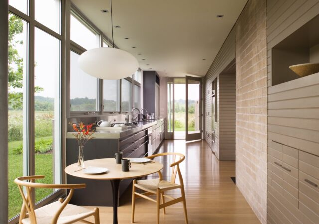featured image for post: Contemporary vs. Modern Design: Major Differences and Examples