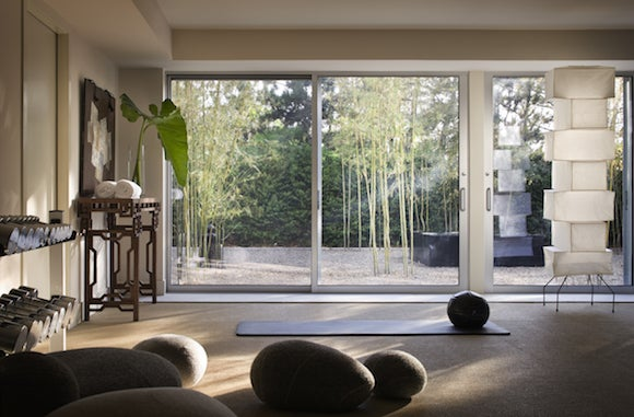 Thad Hayes designed this gym for a Japanese-American familyu0027s beach home in Watermill New York. The lower-level yoga and fitness room overlook the clientsu0027 ... & Gym Decor: Interior Design in Fab Home Fitness Rooms | 1stdibs