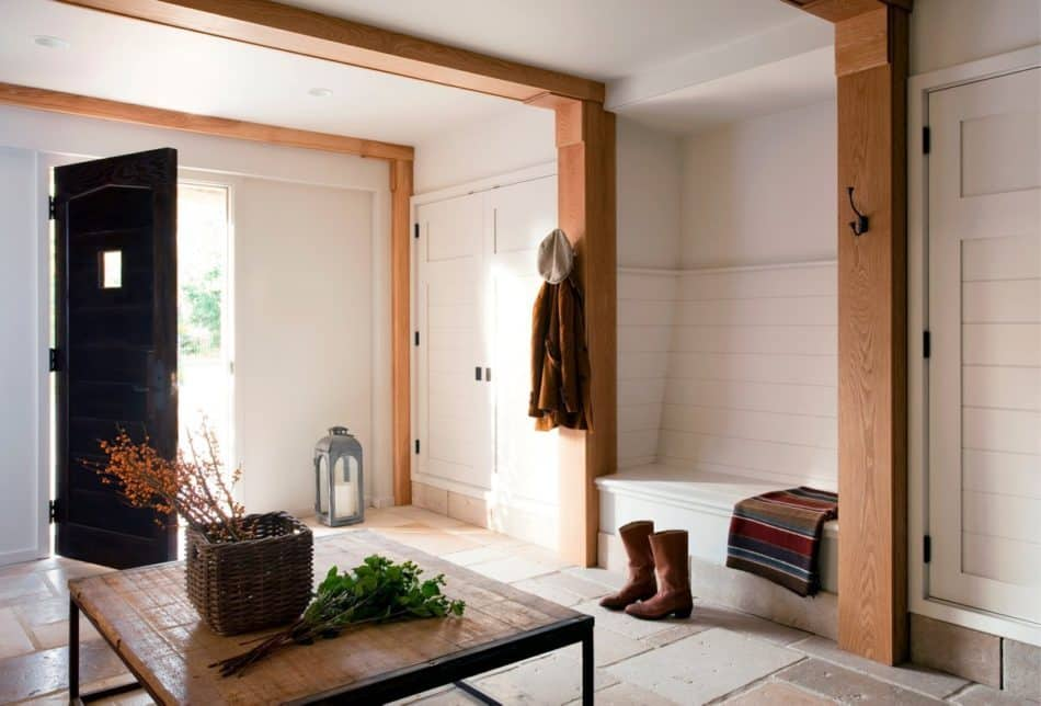 Massachusetts mudroom by Studio Dykas