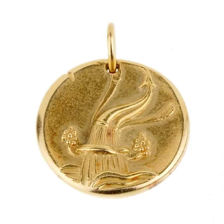 Van Cleef & Arpels gold aquarius pendant