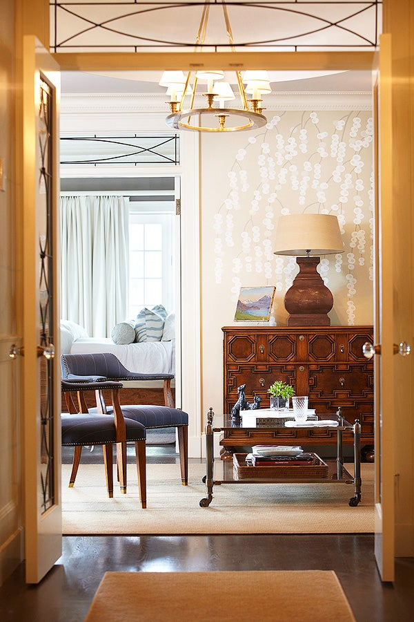 Boston decorator Jill Goldberg combined a mix of modern and classical influences - as is her wont - at a newly renovated Georgian-style estate in Westwood, Massachutts. Photos by Kent Davis unless noted