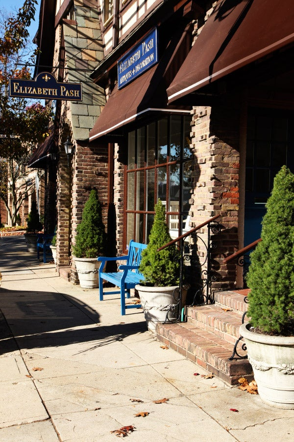 Pash's new shop sits on Forest Avenue, the main thoroughfare of the pleasant and well-heeled town of Locust Valley.