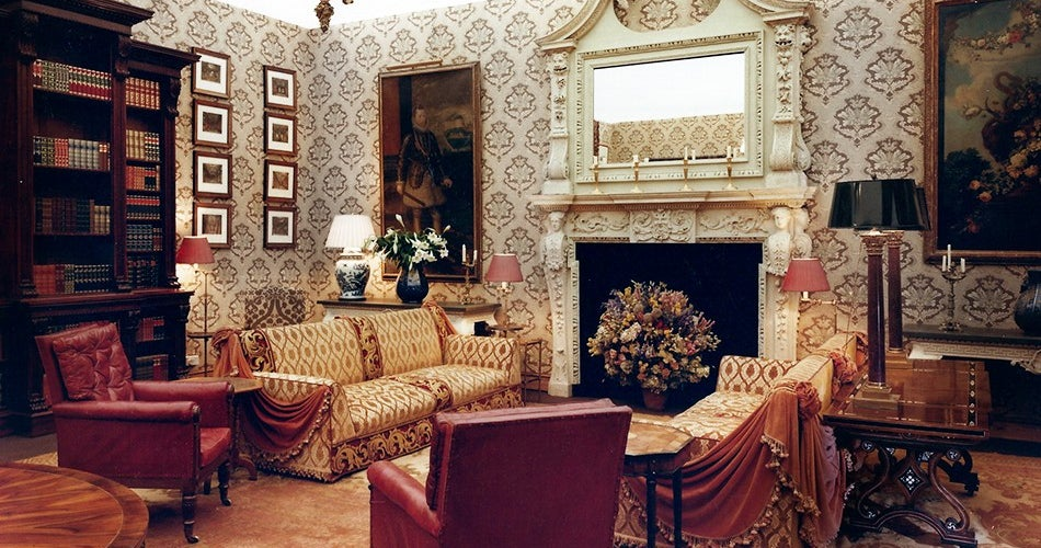 Christopher Hodsoll Windsor England In 1991 London Based Interior Designer And Classic English Antiques Dealer Decorated A Party Space For Prince