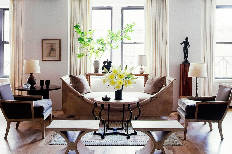 The New York living room of Carlos Aparacio, the owner of Soho's Gallery BAC, originally appeared in Elle Decor.