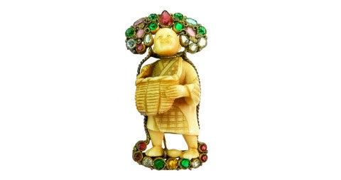Hobe Asian-themed netsuke pin, 20th century, offered by Jeweldiva