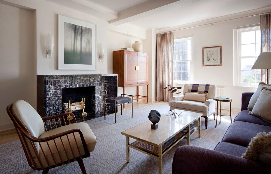 In New York A Lower Fifth Avenue Apartment Features 1930s Inspired Fireplace Flanked