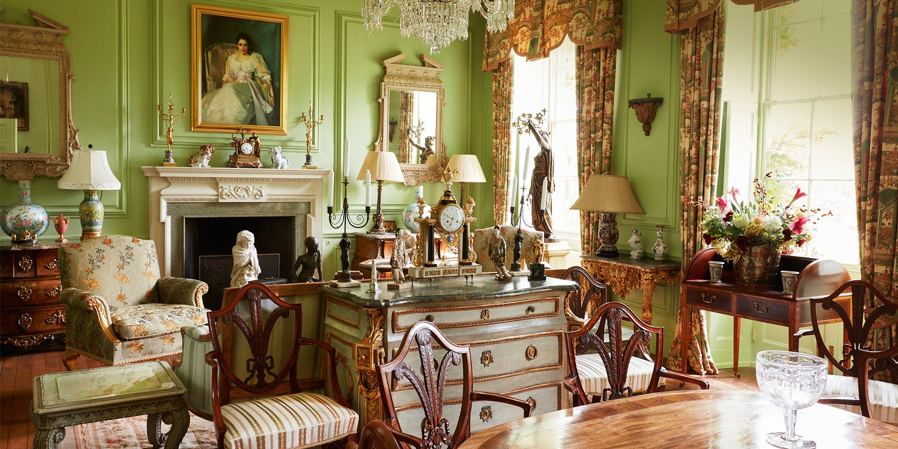 Amazing Shopping For Antiques In A British Royal Residence