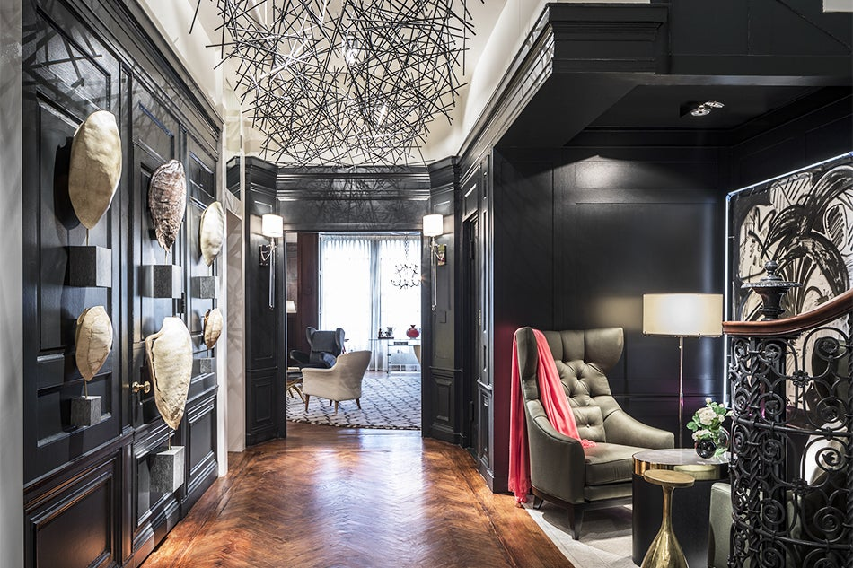 decorators show house. For New York s 2017 Kips Bay Decorator Show House  staged in an early 20th century Georgian style townhouse on the Upper East Side through June 1 High Drama Reigns at 1stdibs
