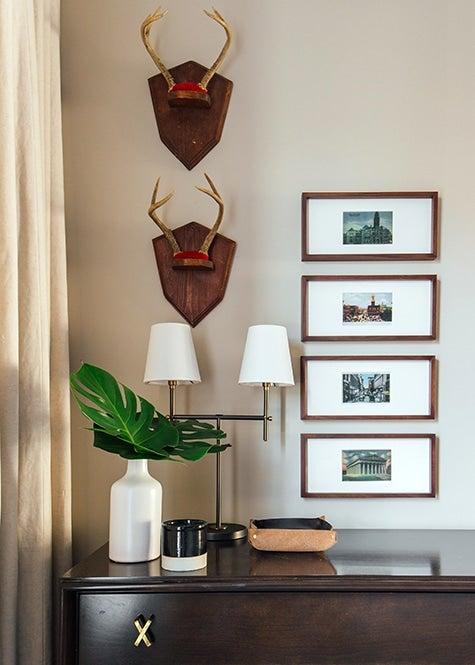 Nashville bedroom antlers on plaques