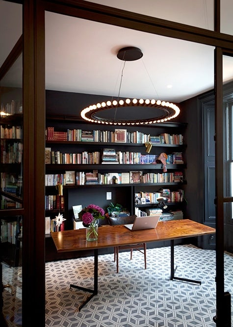 black and white home library by Suzy Hoodless