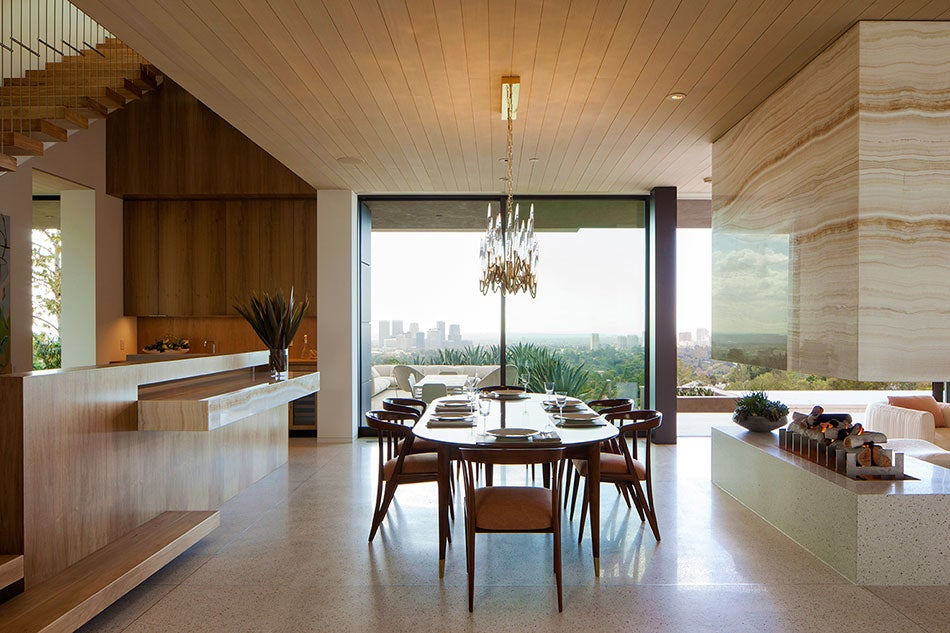 An open eating space designed by Marmol Radziner