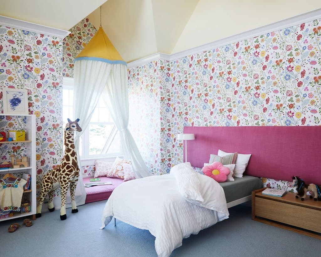 girls bedroom by Pepe Lopez