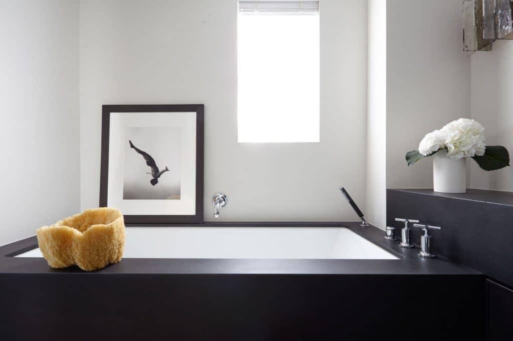 Manhattan bathroom by Russell Groves