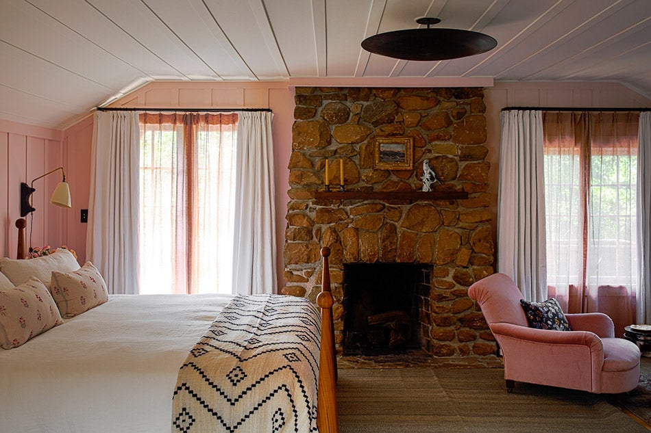 master bedroom by Studio Shamshiri