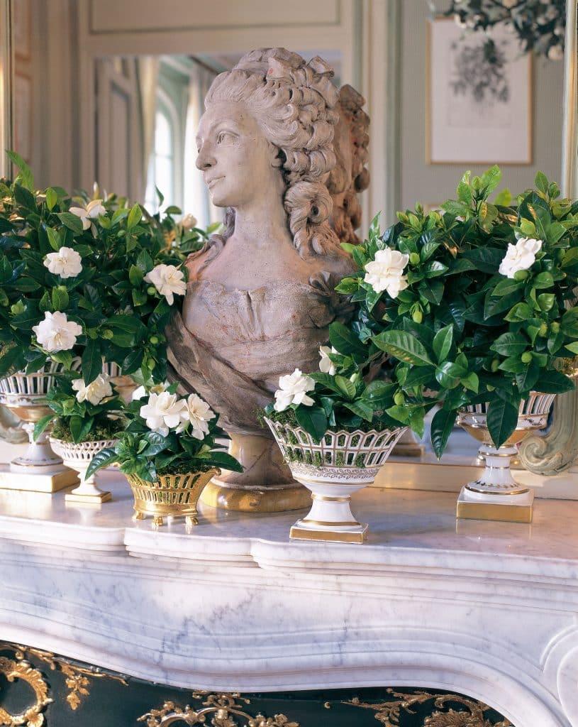 Mantel flowers porcelain gardenias Carolyne Roehm Design & Style: A Constant Threadbook Rizzoli