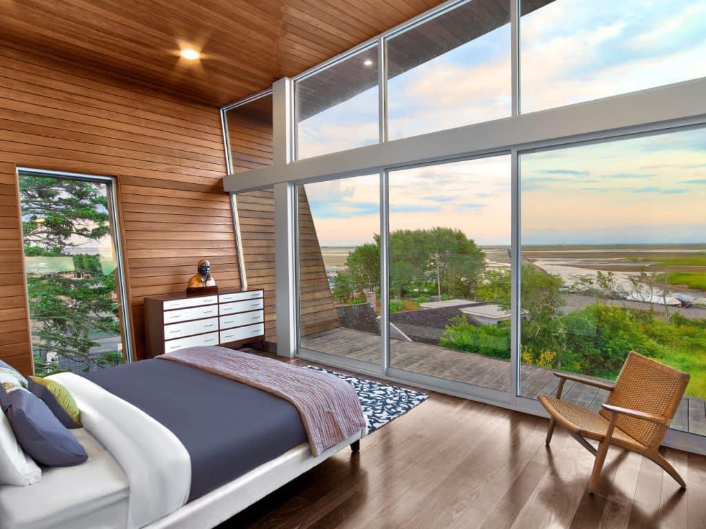 Hariri & Hariri Architecture Cape Cod beach house master bedroom